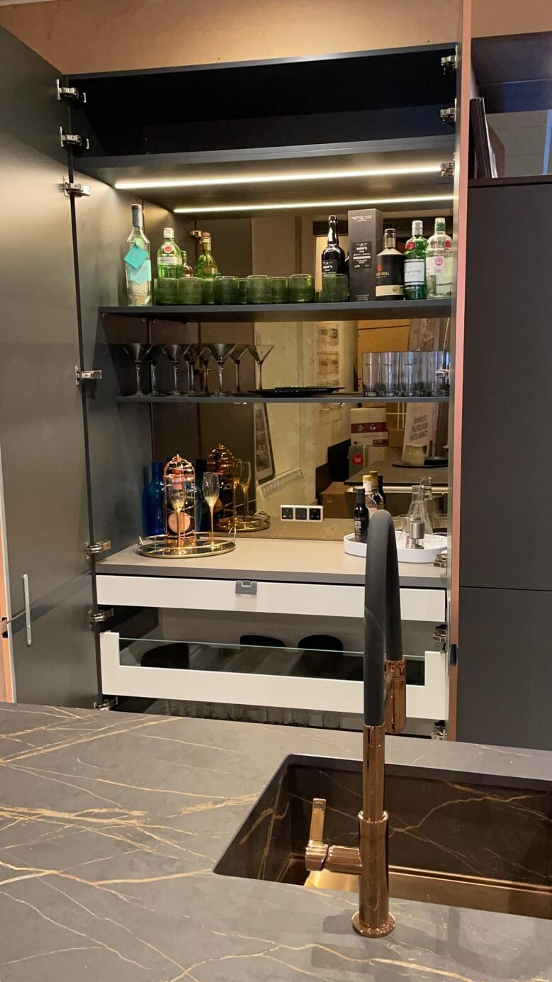Kuhlmann double-door pantry